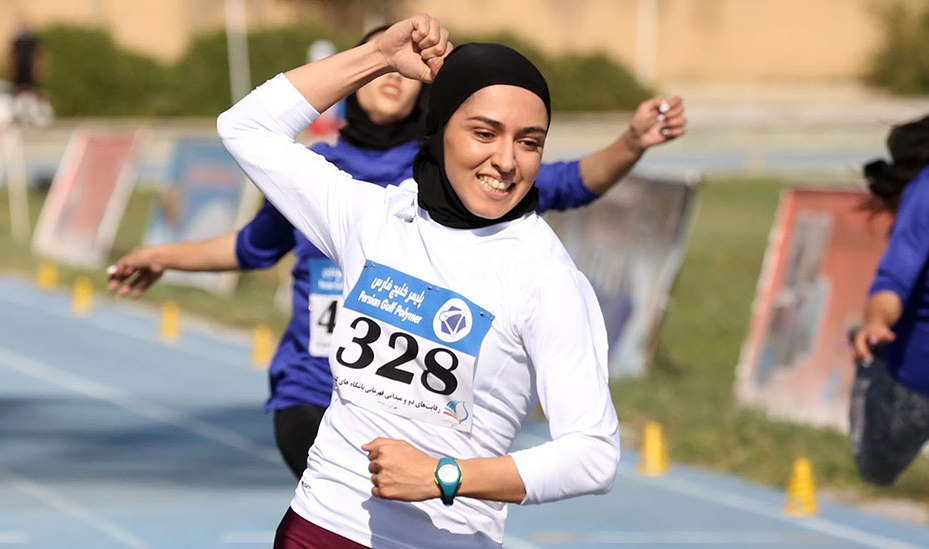 فرزانه-فصیح-قهرمان-100 متر-رده دوم-دو و میدانی-باشگاه های بانوان-کشور
